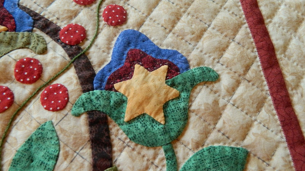 Applique embroidered needle turn quilts for sale camlyn quilts